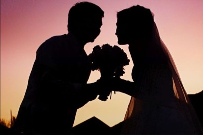 wedding_sunset_silhouette-600x400