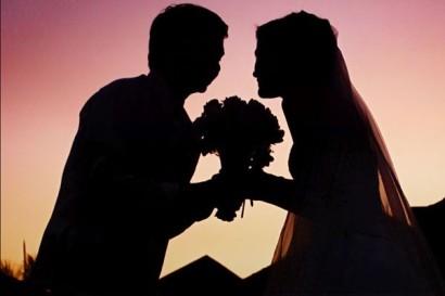 wedding_sunset_silhouette-600x400